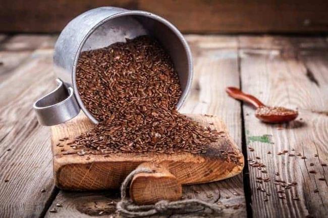Mỗi ngày một thìa hạt, đổ thêm chút nước sôi, chị em có ngay đồ uống chống viêm, eo thắt như con kiến và làn da thì cứ được thể căng mịn - Ảnh 2.