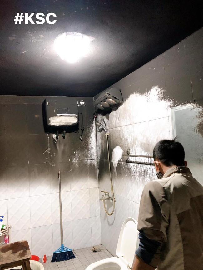 Cô gái đăng ảnh máy giặt bất ngờ bị cháy giữa trưa, nhìn hiện trường vụ việc ai nấy đều bàng hoàng - Ảnh 2.