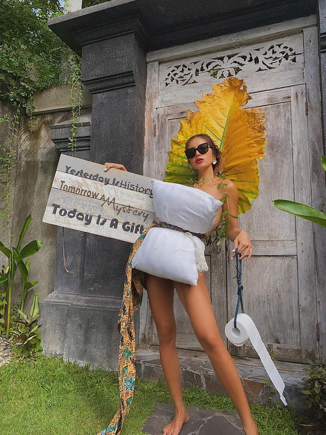 """Minh Tú cũng chạy theo trend """"lấy gối làm váy"""" sau hơn nửa tháng """"mắc kẹt"""" tại đảo Bali - Ảnh 2."""