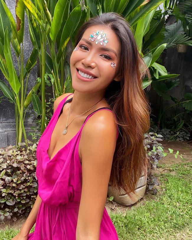 """Minh Tú cũng chạy theo trend """"lấy gối làm váy"""" sau hơn nửa tháng """"mắc kẹt"""" tại đảo Bali - Ảnh 6."""