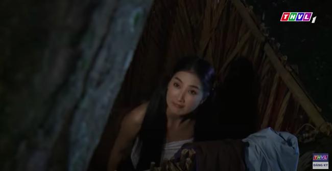 """""""Luật trời"""": Bích (Quỳnh Lam) mắc cỡ vì nghĩ xấu cho cậu chủ, nửa đêm nhớ cảnh bị rình mò khi đi tắm  - Ảnh 7."""