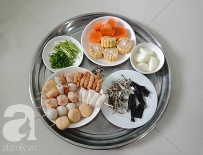 Học người Hàn cách nấu canh chả cá vừa ngon vừa đẹp đổi món cho cả nhà - Ảnh 2.