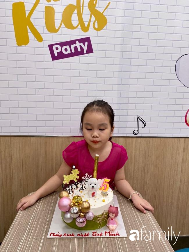 Màn xin lỗi có 1-0-2 của bé 5 tuổi sau khi làm hỏng đồ chơi bố mua: Khóc nghẹn không nói thành lời nhưng người xem cứ cười rũ rượi - Ảnh 4.