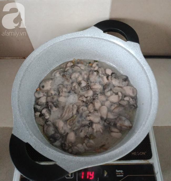 Mách các mẹ bí quyết nấu cháo hàu ngọt thơm không chút mùi tanh - Ảnh 6.