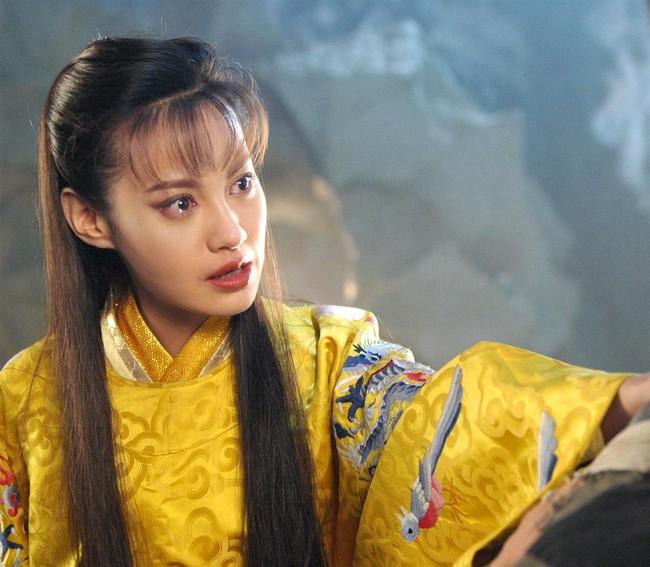 Dương Tuyết gây sốc vì mặt dao kéo hỏng, fan tiếc nuối cho mỹ nhân từng khiến Phạm Băng Băng - Lâm Tâm Như lu mờ  - Ảnh 6.