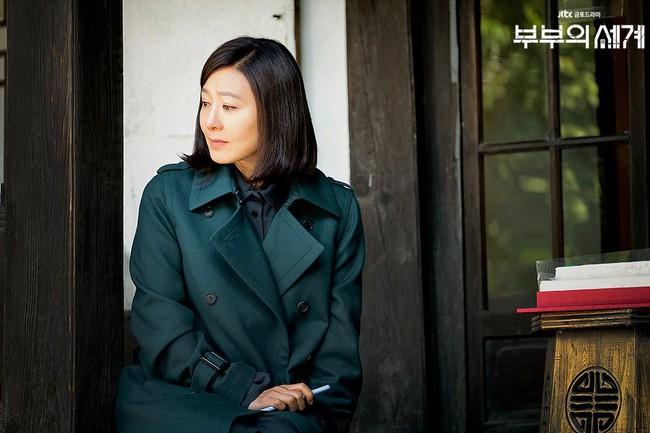 Style trong siêu phẩm bóc phốt ngoại tình đang gây sốt xứ Hàn: Từ nữ chính đến phụ đều mặc đẹp mãn nhãn, không cày phim tiếc lắm ai ơi! - Ảnh 6.