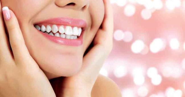 Không đến phòng khám nha khoa thời điểm này, bạn vẫn có thể dễ dàng làm trắng răng theo lời khuyên của chuyên gia - Ảnh 4.