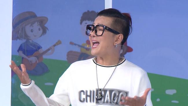 """Nam Thư phản ứng khi bài hát """"Mắt Biếc"""" được thể hiện trong show âm nhạc nhí - Ảnh 7."""