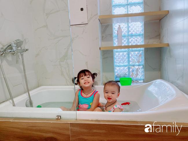 """Ngắm phòng ngủ tông vàng của mẹ đảm tại Hà Nội thực hiện cho hai công chúa nhỏ, các bậc phụ huynh tấm tắc ngợi khen """"đơn giản vẫn đúng là đỉnh cao"""" - Ảnh 9."""