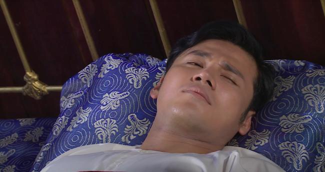 """""""Luật trời"""": Bích (Quỳnh Lam) suýt hôn môi Tiến, cậu chủ đẹp trai vì mê đắm cô hầu mà đổi tính  - Ảnh 4."""