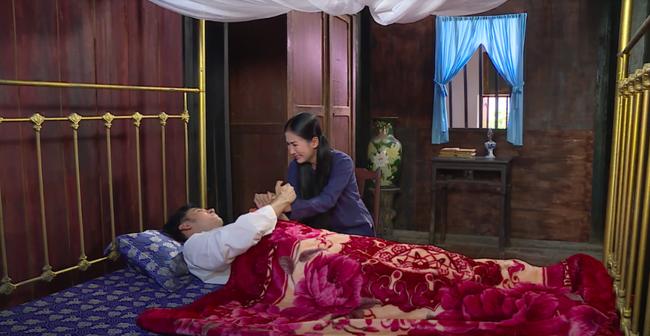 """""""Luật trời"""": Bích (Quỳnh Lam) suýt hôn môi Tiến, cậu chủ đẹp trai vì mê đắm cô hầu mà đổi tính  - Ảnh 2."""