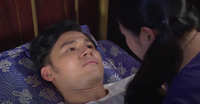 """""""Luật trời"""": Bích (Quỳnh Lam) suýt hôn môi Tiến, cậu chủ đẹp trai vì mê đắm cô hầu mà đổi tính  - Ảnh 7."""
