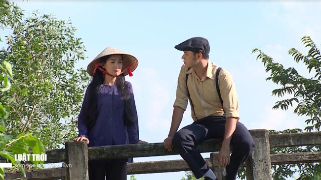"""""""Luật trời"""": Bích (Quỳnh Lam) suýt hôn môi Tiến, cậu chủ đẹp trai vì mê đắm cô hầu mà đổi tính  - Ảnh 10."""
