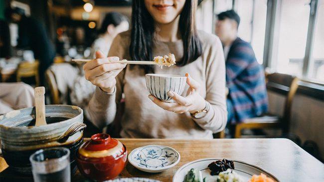 9 thực phẩm thơm ngon này chứa nhiều muối hơn bạn tưởng, ăn thường xuyên sẽ tăng nguy cơ suy tim, suy thận thậm chí ung thư dạ dày - Ảnh 8.