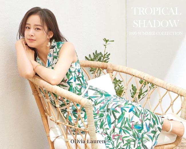 """Vừa bị chê tăng cân, Kim Tae Hee lại tung những khoảnh khắc đẹp ná thở chứng minh nhan sắc ngày càng lên hương dù đã là """"bà mẹ hai con"""" - Ảnh 1."""