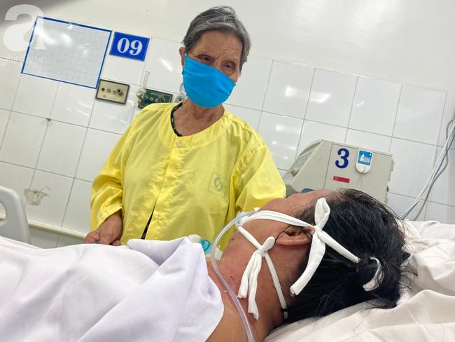 Hơn 30 triệu đồng giúp mẹ chồng vay nóng chữa bệnh cho nàng dâu, Chị Đầy bật khóc xin xuất viện để mẹ đỡ khổ - Ảnh 4.