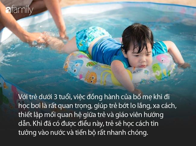 Huấn luyện viên bơi quốc tế: Đang ở trên cạn mà bị đẩy xuống nước là cảm giác rất kinh khủng, trẻ sẽ bị sang chấn tâm lý - Ảnh 3.