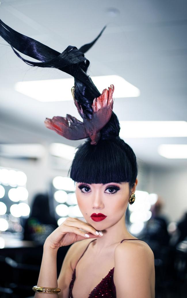 Siêu mẫu quốc tế Jessica Minh Anh đóng phim cùng Hoa hậu H'Hen Niê: An tâm vì đã bay về Việt Nam ngay trước dịch Covid-19 - Ảnh 2.