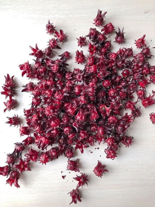 """Loại nước đỏ au mà Hà Tăng đang mê mệt chính là """"thần dược"""" lọc sạch gan, làm đẹp từ trong ra ngoài nhưng trước khi dùng bạn cần nhớ điều này - Ảnh 3."""