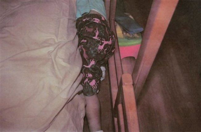 Bé gái mất tích gần 10 ngày khiến cả đất nước chấn động cùng nhau đi tìm cuối cùng tìm thấy thi thể em ngay trong phòng ngủ  - Ảnh 3.