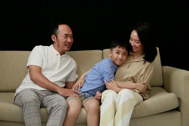 """Con gái Đoan Trang bám riết con trai Thu Trang - Tiến Luật, bố mẹ 2 nhà còn kịch liệt """"đẩy thuyền"""" - Ảnh 11."""