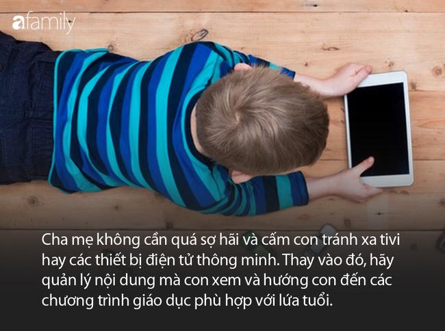 Chẳng lo con xem tivi, điện thoại nhiều sẽ hại trẻ nữa nếu bố mẹ biết được quy tắc dưới đây - Ảnh 2.