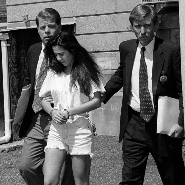 """Khi """"tiểu tam"""" lên cơn ghen ngược với cả chính thất: Nữ sinh 17 tuổi vác súng đến dằn mặt vợ của người tình và cái kết bi thảm thay đổi cuộc đời của cả 3 con người - Ảnh 4."""