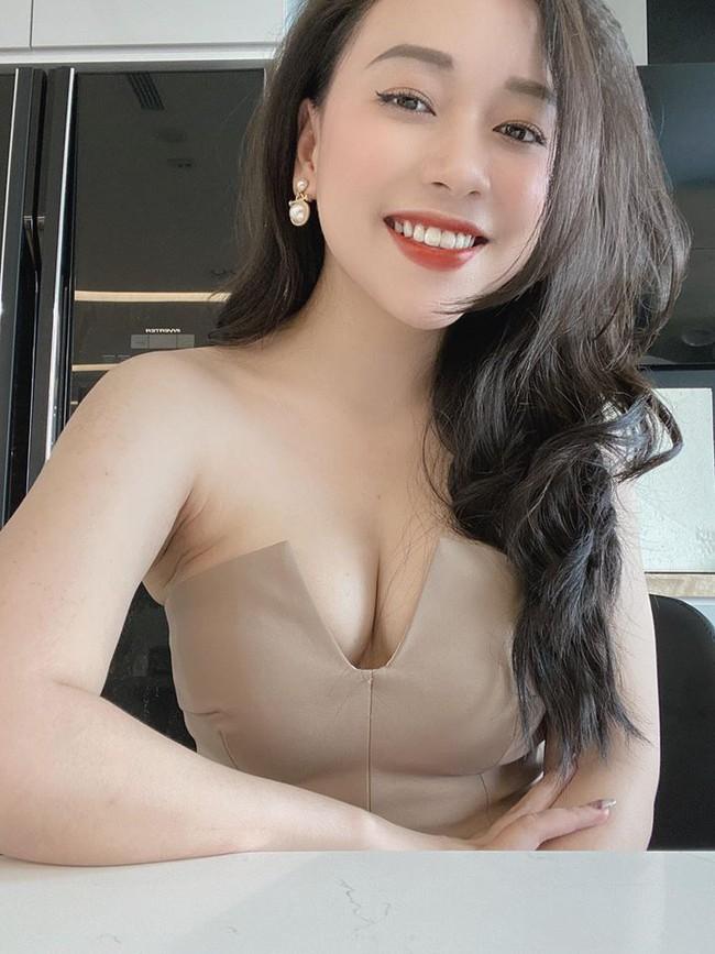 """Cô em họ Hoa hậu Mai Phương Thuý """"lột xác"""" sau khi giảm 25 kg, không ai ngờ mẹ bỉm sữa ngày nào lại có thân hình gợi cảm đến vậy - Ảnh 6."""