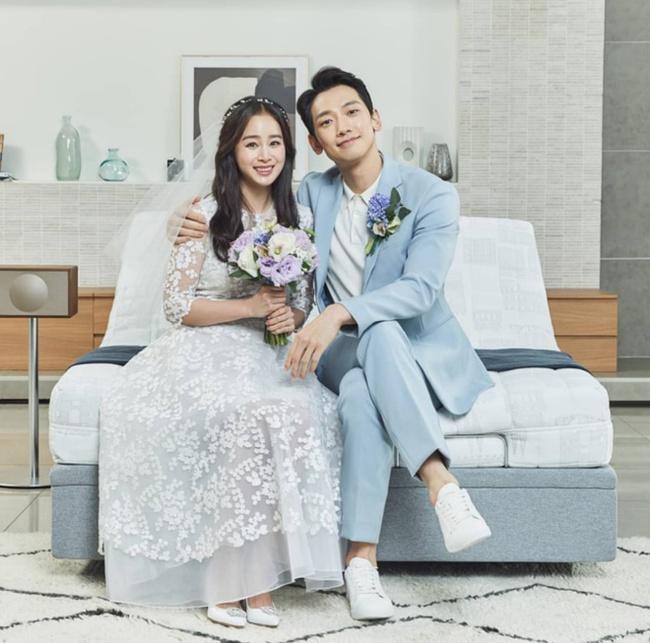 Bài phỏng vấn đặc biệt của Kim Tae Hee sau 4 năm làm vợ Bi Rain: Có nhiều điều vất vả khi kết hôn nhưng gia đình khiến tôi không cô đơn  - Ảnh 2.