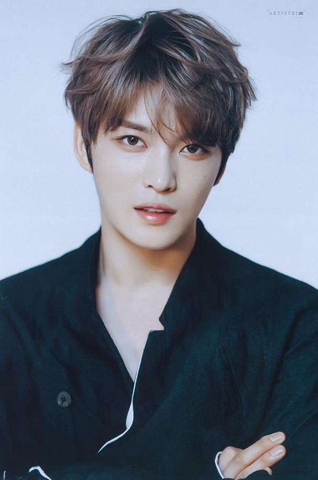 """Jaejoong (JYJ) sau trò đùa """"nhiễm Covid-19"""" trong ngày Cá tháng 4: Hàng loạt show diễn bị hủy bỏ trong sự tức giận của fan - Ảnh 2."""