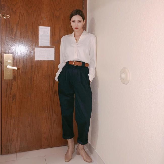 Loạt ý tưởng diện đồ hay đáo để từ Sunmi giúp chị em diện lại quần áo cũ vẫn sành điệu không để đâu cho hết - Ảnh 1.