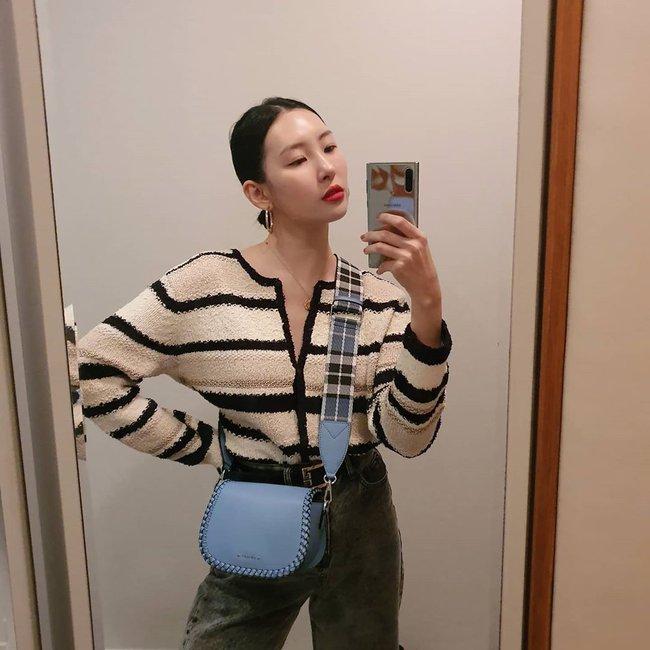 Loạt ý tưởng diện đồ hay đáo để từ Sunmi giúp chị em diện lại quần áo cũ vẫn sành điệu không để đâu cho hết - Ảnh 5.