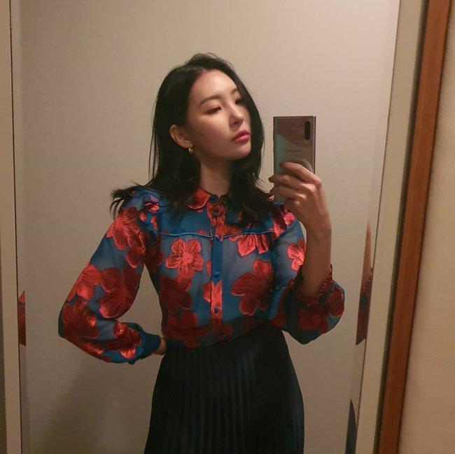 Loạt ý tưởng diện đồ hay đáo để từ Sunmi giúp chị em diện lại quần áo cũ vẫn sành điệu không để đâu cho hết - Ảnh 4.