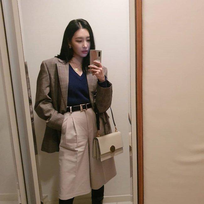 Loạt ý tưởng diện đồ hay đáo để từ Sunmi giúp chị em diện lại quần áo cũ vẫn sành điệu không để đâu cho hết - Ảnh 8.