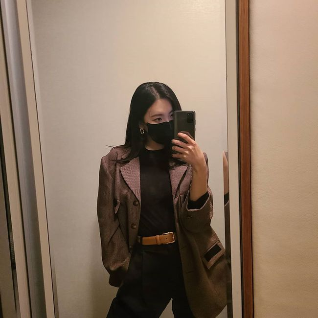 Loạt ý tưởng diện đồ hay đáo để từ Sunmi giúp chị em diện lại quần áo cũ vẫn sành điệu không để đâu cho hết - Ảnh 3.