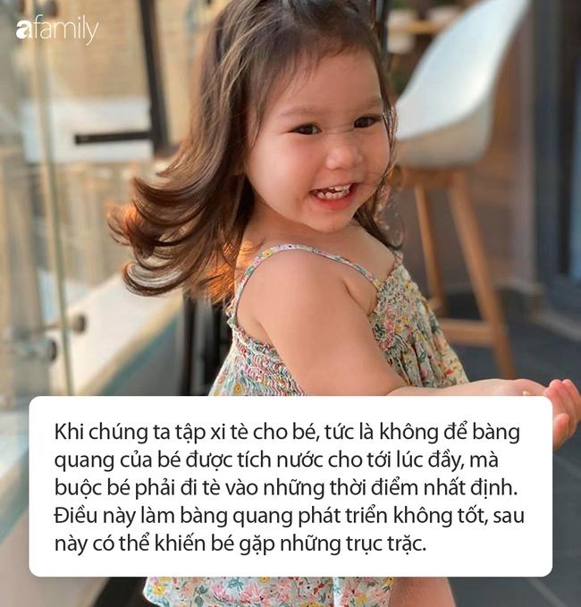 """Nhiều người thắc mắc sao bé Myla 2 tuổi vẫn đóng bỉm cả ngày lẫn đêm, siêu mẫu Hà Anh đáp trả """"cao tay"""" khiến ai cũng đồng tình - Ảnh 3."""