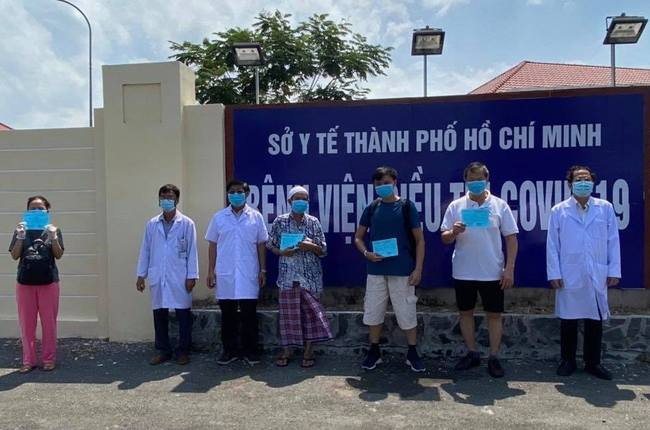 Thêm 10 người mắc Covid-19 được công bố khỏi bệnh, trong đó có nữ doanh nhân ở Bình Thuận - Ảnh 3.