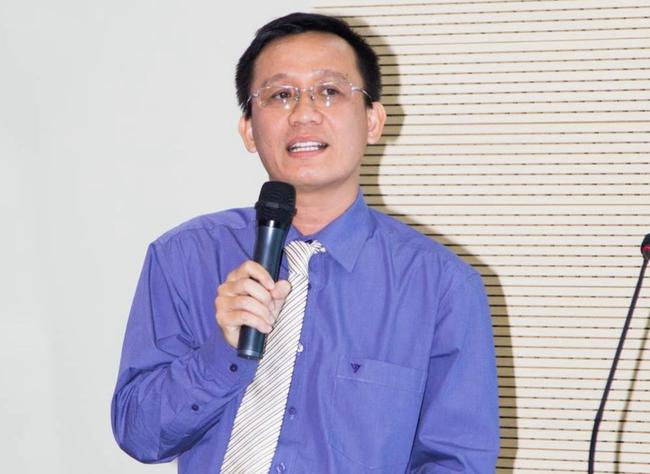 Tạm đình chỉ Hiệu trưởng và 6 cán bộ ĐH Ngân hàng TP.HCM sau khi Tiến sĩ Bùi Quang Tín rơi tầng 14 tử vong - Ảnh 1.