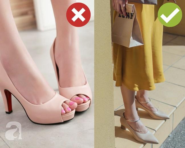 """Dọn dẹp tủ đồ, chị em tiện tay """"tiễn"""" luôn 4 kiểu giày dép hết thời sau kẻo diện lên thế nào cũng làm xấu cả tổng thể - Ảnh 4."""