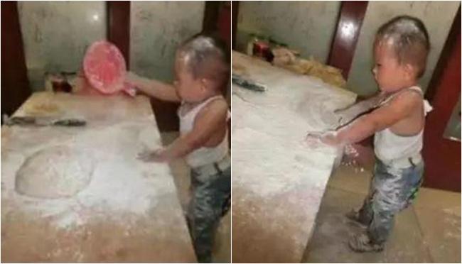 """Bà nội thiếp đi ngủ trưa một lúc, tỉnh dậy đã thấy cả căn bếp """"toang"""", nhưng câu nói của đứa cháu khiến bà không thể tức giận   - Ảnh 2."""