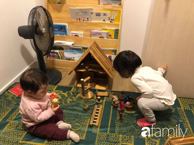 """Ở nhà tránh dịch, mẹ Hà Nội thiết kế hàng chục hoạt động thú vị mà chỉ tốn """"0 đồng"""" cho 2 con chơi say mê ngày này qua ngày khác - Ảnh 1."""