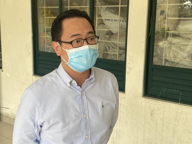 Bác sĩ mặc đồ bảo hộ, chạy thận cho người phụ nữ sống tại  chung cư có ca nhiễm Covid-19 liên quan bar Buddha - Ảnh 6.