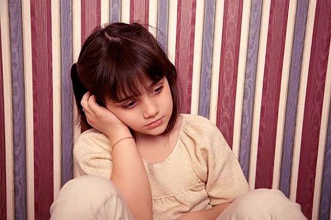 Làm gì khi con bạn lo lắng, căng thẳng hoặc dễ bị kích động trong mùa dịch COVID-19? - Ảnh 1.