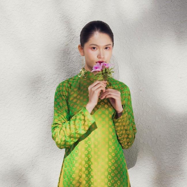"""Á hậu Thùy Dung có cả loạt cách tạo dáng để chủ thể luôn xinh tươi như một nàng thơ trong từng khoảnh khắc """"sống ảo"""" - Ảnh 2."""