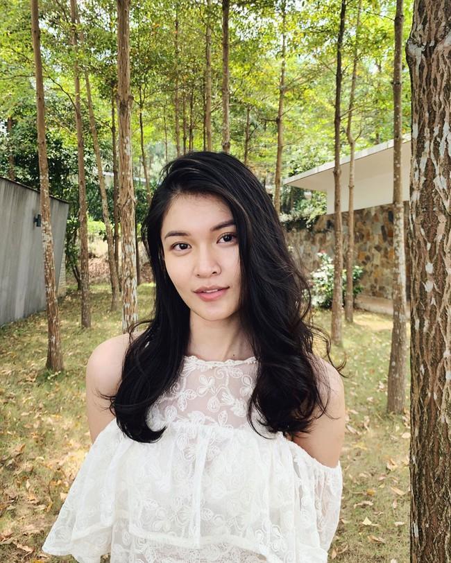 """Á hậu Thùy Dung có cả loạt cách tạo dáng để chủ thể luôn xinh tươi như một nàng thơ trong từng khoảnh khắc """"sống ảo"""" - Ảnh 4."""