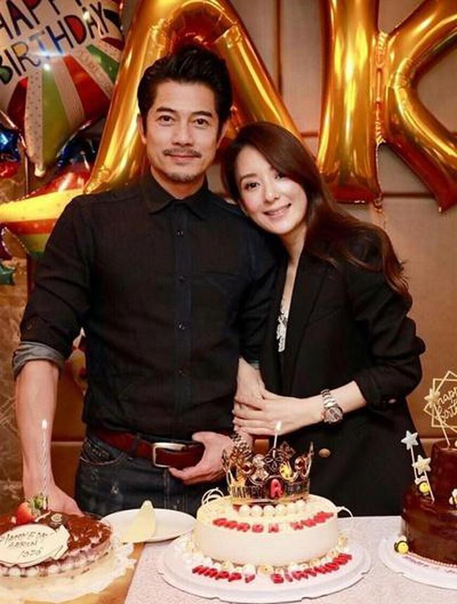 Quách Phú Thành có cuộc sống hạnh phúc bên vợ trẻ sau 3 năm kết hôn.