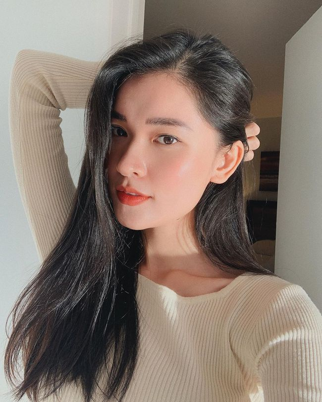 """Á hậu Thùy Dung có cả loạt cách tạo dáng để chủ thể luôn xinh tươi như một nàng thơ trong từng khoảnh khắc """"sống ảo"""" - Ảnh 7."""