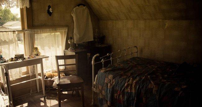 Ngôi nhà im lìm suốt buổi sáng khiến hàng xóm lo lắng trước khi phát hiện ra cái chết của 8 người bên trong và hiện trường kì lạ - Ảnh 3.
