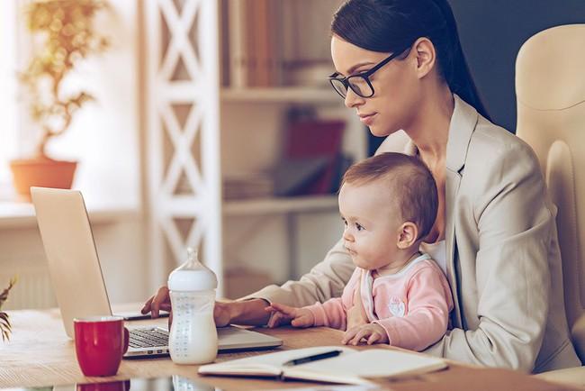 'Giật mình' với lí do mẹ chỉ có 32' riêng tư mỗi ngày dù nghỉ tránh dịch ở nhà hay lúc bận rộn đi làm  - Ảnh 1.