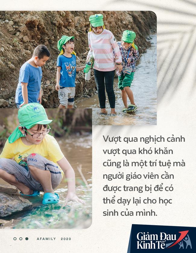 """Chống Covid-19, ngôi trường cách Hà Nội 40km biến thành trang trại thực phẩm sạch; giáo viên tự bắt cá, làm shipper, chốt đơn """"nhà nghề"""" - Ảnh 7."""